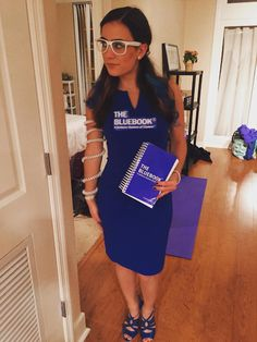 Funny saw school Halloween costume idea - The Bluebook Halloween Costumes For Teens Girls, Funny Halloween Costumes, Halloween Party, Law School Humor, School Jokes, Lawyer Jokes, School Costume, Elle Woods, Playing Dress Up