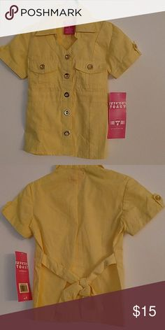 French toast girl top size 4 60% cotton,40% polyester.Made in China French toast Shirts & Tops Tees - Short Sleeve