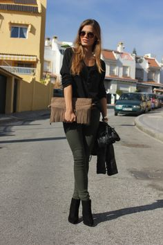 Perfect khaki green & black with brown accessories