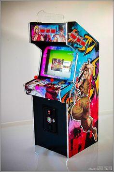 STARFIGHTER Cab est une mini-borne d'arcade directement inspirée des modèles classiques des années 80-90.