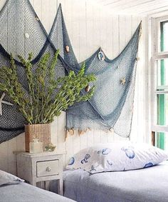 Chic nautical bedroom design ideas and decor inspiration that celebrate life at sea. Nautical bedroom wall decor ideas & other nautical desi. Deco Marine, Nautical Bedding, Nautical Bedroom Decor, Nautical Interior, Dream Beach Houses, Nautical Design, Nautical Decor Ideas, Nautical Home Decorating, Nautical Flags