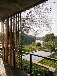 Shefali Balwani, une indienne et Robert Verrijt, un hollandais, ont fondé en 2006 à Bombay,leur studio d'architecture et d'architecture d'intérieur «Arch