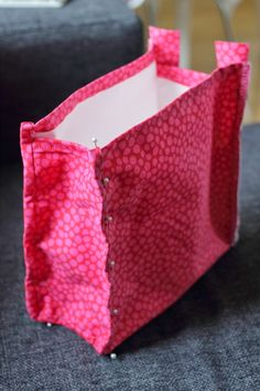 Melkein kuin uusi: Toilettilaukku: DIY Purses And Bags, Tote Bag, Sewing, Diy, Fashion, Dressmaking, Moda, Couture, Bricolage