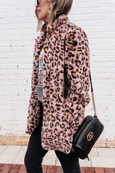 Suzanne of My Kind Of Sweet shares tips for mixing high and low fashion and a budget friendly leopard teddy coat and gucci mule dupes. Urban Fashion, High Fashion, Fashion Looks, Womens Fashion, Fashion Hats, Fashion Black, Fashion Dresses, Fashion Jewelry, Fashion Trends