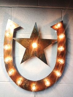 Horse shoe star lighted metal marble rust #home #decor www.loveitsomuch.com