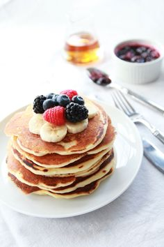 Classic Eats: Buttermilk Pancakes #theeverygirl