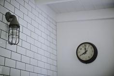 Vintage bakelite clock