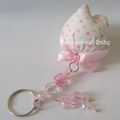 Felt Crafts, Fabric Crafts, Sewing Crafts, Diy And Crafts, Sewing Projects, Clay Keychain, Key Fobs, Fabric Flowers, Diy Gifts