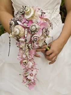 wedding bouquet... interesting option to consider