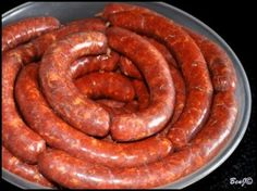 Domáca údená klobása (fotorecept) - obrázok 3 Sausage Recipes, Pork Recipes, Cooking Recipes, Home Made Sausage, How To Make Sausage, Sausage Making, Polish Recipes, Smoking Meat, Food 52