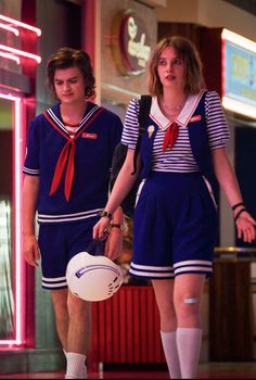 Sugar & Cloth: DIY Halloween Costumes for Couples. See all the couples costume ideas here! disfraz stranger things Couples Costumes: 41 Easy Ideas for Couples Halloween Costumes - Easy Couples Costumes, Diy Halloween Costumes, Costumes For Women, Pirate Costumes, Vampire Costumes, Couple Costumes, Halloween Ideas, Group Costumes, Turtle Costumes