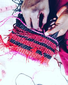 Interested in bag weaving? ASK AAKS  this awesome young brand incorporate #vibrant weaving patterns & #design from #Ghana into their fashion lines. See more on Aaksonline.com @aaksonline by africafashionguide