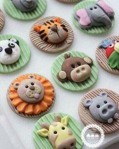 Cupcakes decoration toppers jungle animals 19 new Ideas Safari Cupcakes, Fondant Cupcakes, Berry Cupcakes, Kid Cupcakes, Fondant Toppers, Cupcake Cookies, Zoo Animal Cupcakes, Cupcake Tier, Deco Cupcake