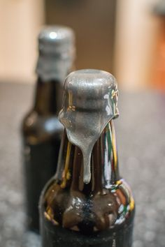 Do you give homebrew to friends and family as gifts? Add some style and spice to them. How to Wax Dip Bottles