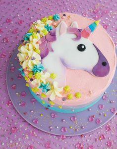 diese idee für eine einhorn torte wird dem kleinen mädchen sehr gut gefallen