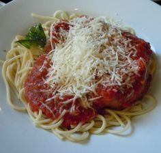 Chicken Parmesan from Tony's Town Square Restaurant in Magic Kingdom. Click for our Dining at a Glance PDF for Magic Kingdom #disneydining