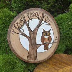 This wood burning of a great horned owl is perfect year round, but adds a special touch of nature at Halloween. * listing is for the exact ornament shown in first photo No trees are ever damaged in the making of our products. Each ornament I make is from a fallen tree limb. Either