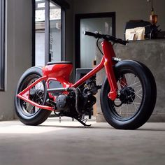 Photo by Cafe Racers Honda Cub, C90 Honda, Motos Honda, Honda Bikes, Honda Motorcycles, Vintage Motorcycles, Honda Ruckus, Electric Car Concept, Best Electric Car
