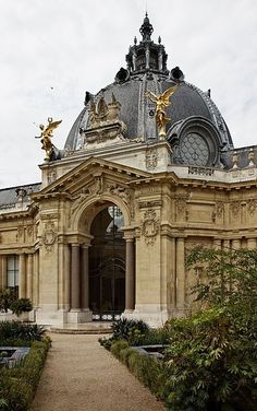 The Petit Palais ~ Paris...and it houses Monet's easel!