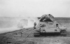 Medium tank T-34 model 1940 (destroyed) / czołg średni T-34model 1940 (zniszczony)