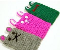 The cutest crochet patterns for amigurumi, baby blankets, clothes, shoes and more. I am adding new patterns and crochet tips every day. Crochet Phone Cover, Crochet Case, Crochet Hook Set, Crochet Purses, Cute Crochet, Easy Crochet Projects, Crochet Crafts, Craft Patterns, Crochet Patterns