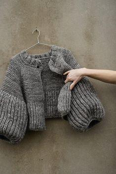 Sweater Knitting Patterns, Jacket Pattern, Knit Fashion, Knit Jacket, Diy Clothes, Knitwear, Knit Crochet, Blazers, Wool Yarn