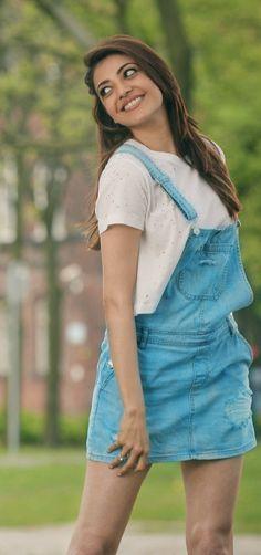 Beautiful Bollywood Actress, Most Beautiful Indian Actress, Beautiful Celebrities, Beautiful Actresses, Kajol Saree, Indian Bridal Sarees, Cotton Salwar Kameez, Blue Saree, Saree Styles