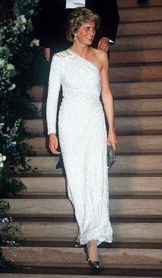 2,394 Princess Diana White Photos and Premium High Res Pictures Bright Pink Dresses, Pink And White Dress, Lady Diana, Vogue Paris, Versace, Electric Blue Dresses, White Evening Gowns, Evening Dresses, Best Gowns