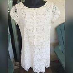 Moon Collection ivory lace tunic top Size Small Moon Collection ivory lace tunic top. Retails $45. Size Small. Moon Collection Tops