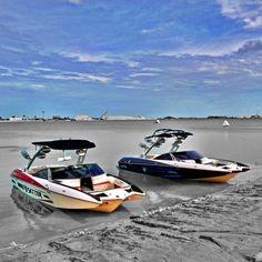 Malibu Axis, definitely wouldn't complain having this view! Wakeboarding Girl, Malibu Boats, Ski Nautique, Sport Boats, Ski Boats, Wakeboard Boats, Boat Insurance, Sup Surf, Super Yachts