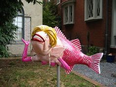 -The Strange Fish Mailbox . This mailbox can not be ignored. Funny Mailboxes, Unique Mailboxes, Diy Mailbox, Mailbox Ideas, Mailbox Designs, Letterbox Designs, Mailbox Decorating, Mailbox Makeover, Vintage Mailbox