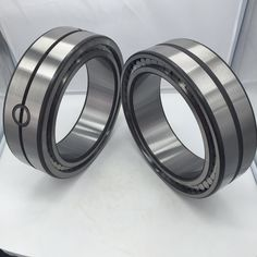 Depending on the existence of ribs on their rings, double row cylindrical roller bearings are classified into NN, NNU types.