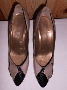 4429dc16fbb Womens Shoes Bruno Magli Black Grey High Heels Classic Pumps Size 10B Bow  Italy…
