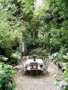 100 DIY Romantic Backyard Garden Ideas on A Budget Garten Ideen Diy Garden, Garden Cottage, Dream Garden, Garden Nook, Summer Garden, Cacti Garden, Tower Garden, Farmhouse Garden, Garden Boxes