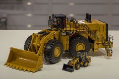 NEWS FLASH! BouwmachineWeb.com visits Spielwarenmesse 2017 Earth Moving Equipment, Model Truck Kits, Police Truck, Toys In The Attic, Toy Display, Custom Big Rigs, Farm Toys, Engin, Vintage Tractors