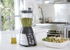 Batidora de vaso Luminart Oster, diseño y utilidad en un único utensilio de cocina http://www.cookingtkc.com/tiendaonline2014/batir-y-exprimir/1231-batidora-luminart-oster-0034264421585.html?search_query=batidora&results=8