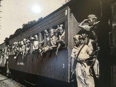 Suasana saat Batalion Kosasoh dari Divisi Siliwangi tiba setelah melakukan operasi penumpasan dalam peristiwa Madiun. Yogyakarta, 12 Desember 1948. (IPPHOS - Antara Foto).