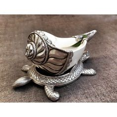 Indian Goddess Kali, Silver Jews, Silver Home Accessories, Silver Pooja Items, Pooja Room Door Design, Shell Decorations, Silver Lamp, Puja Room, Silver Ornaments