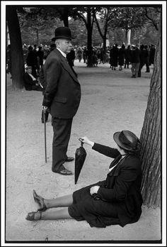 Henri Cartier Bresson // France -Versailles. George VI's royal visit. 1938.