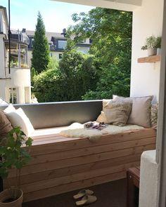 6 creative DIY ideas for balconies, patios and gardens Unique Home Decor, Diy Home Decor, Big Living Rooms, Outdoor Sofa, Outdoor Decor, Diy Sofa, Home Decor Furniture, Furniture Ideas, Outdoor Furniture