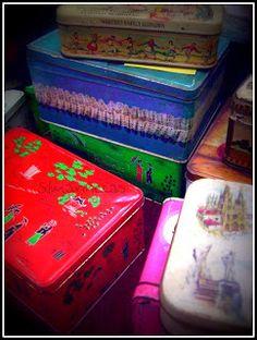 cajas de metal antiguas Feria desembalaje de antigüedades 2013 BEC