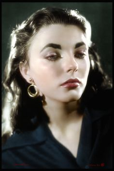 Old Hollywood Glam, Golden Age Of Hollywood, Hollywood Actresses, Dame Joan Collins, Female Movie Stars, Kim Novak, Henry Fonda, Jerry Lewis, Katharine Hepburn