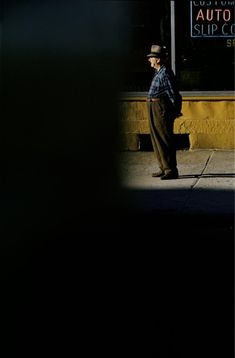 somesaynever:  Saul Leiter