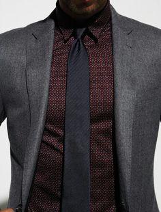 Grey blazer with burgundy shirt and black tie Style Gentleman, Dapper Gentleman, Sharp Dressed Man, Well Dressed Men, Fashion Mode, Mens Fashion, Fashion Menswear, Fashion Black, Formal Fashion