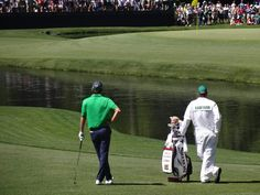 Aaron Alpern caddied for Smylie Kaufman in the 2016 Masters. Although the team didn't win the tournament, they made headlines and captured our imagination. Golf Course Reviews, Golfer, Masters, Imagination, Golf Courses, Interview, Golf Course Ratings, Fantasia, Faeries