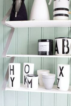 (Would be perfect for a bedroom / bathroom / any other room too. Lettering Design, Design Letters, Marble Shelf, Interior And Exterior, Interior Design, Kitchen Shelves, Other Rooms, Storage Baskets, Room Inspiration