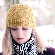 Twinings hat is now available as an individual pattern pdf from my Rav store. Originally published in knit.wear F/W 2018, it's an all over cabled texture made with rustic yarn.