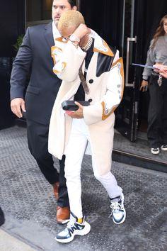 Jaden Smith wearing  Louis Vuitton Archlight Sneaker