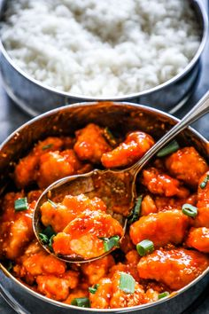 Instant Pot Sweet and Sour Chicken Meal Prep Bowls are a delicious, easy, one pot meal the whole family loves! Entire week's worth of meals in just one pot!