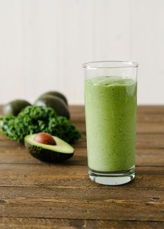 Avocado Kale Superfood Smoothie #superfood #smoothie #avocado #kale